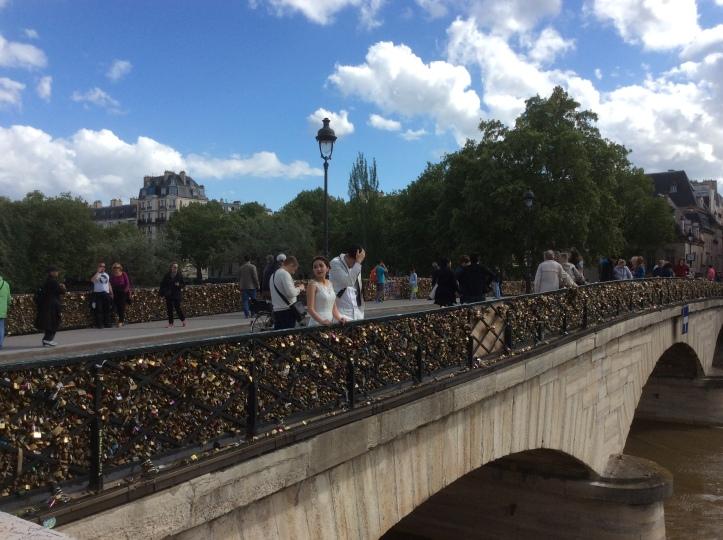 Novias cursis en Paris
