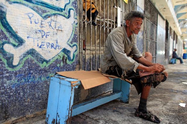 Puerta de tierra Puerto Rico Homeless.jpg